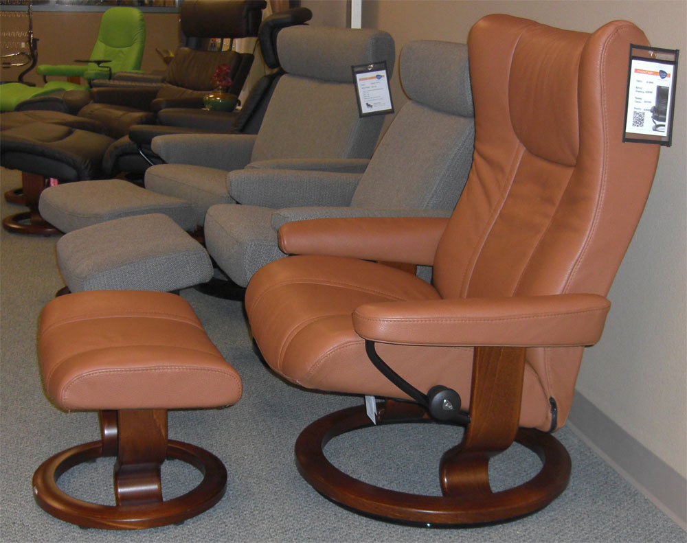 stressless eagle classic palm brown leather recliner chair and ottoman by ekornes